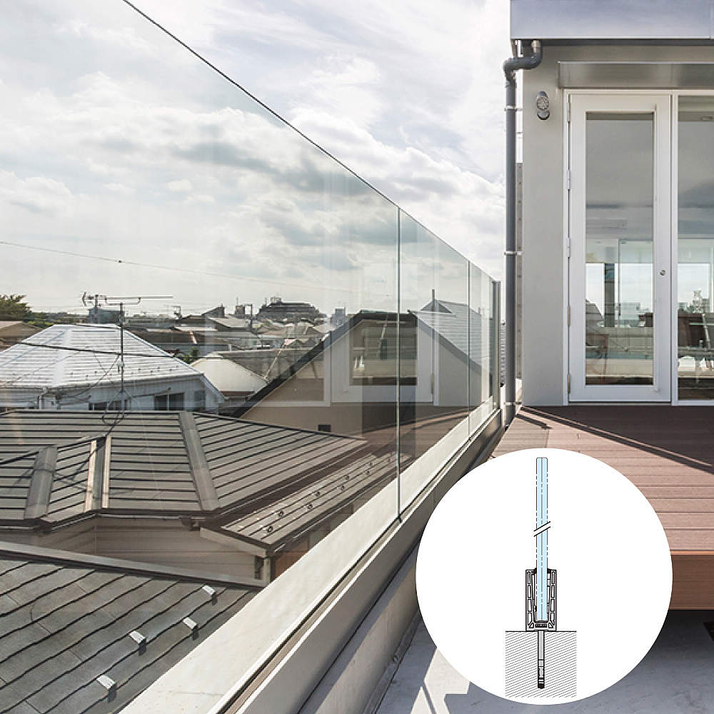 ガラス加工なしで、強化ガラスのフェンスを作ることができます。