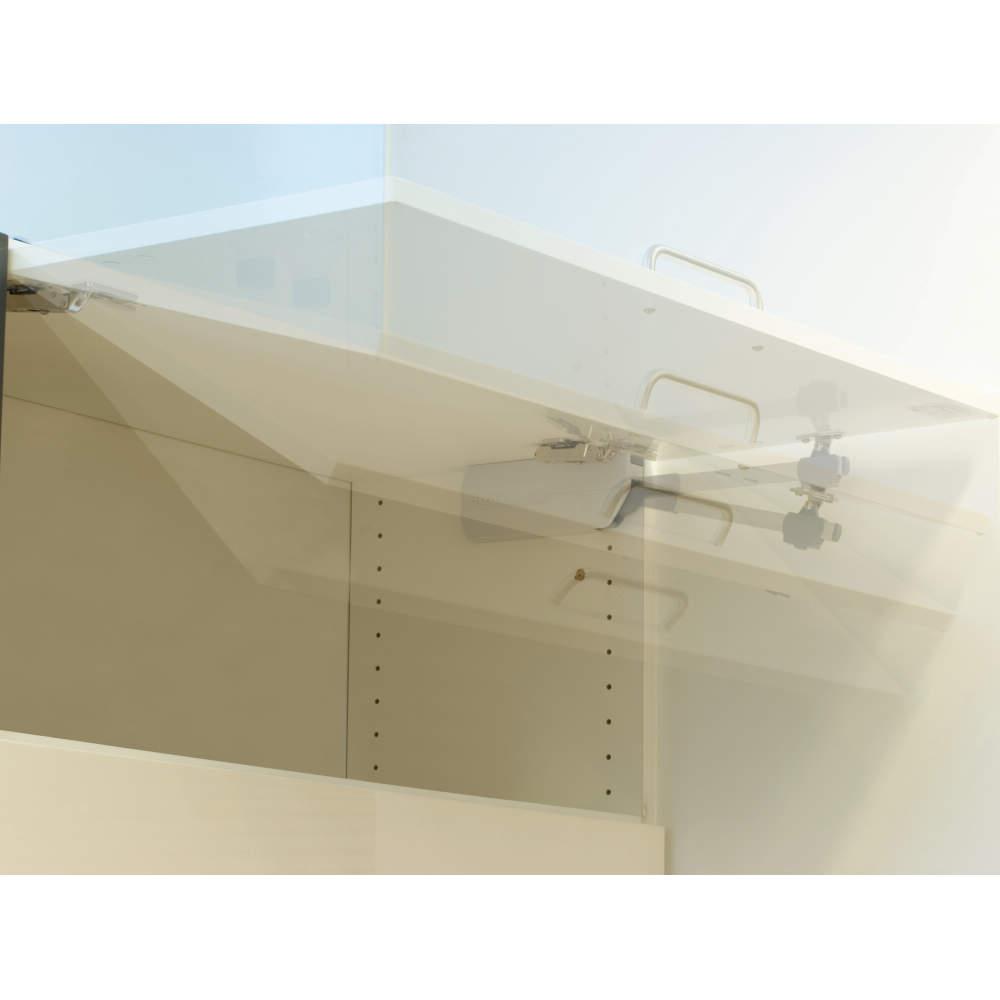 ●フリーストップ機能<br><br>約30°〜全開位置の範囲では、任意の位置で扉を止められます。