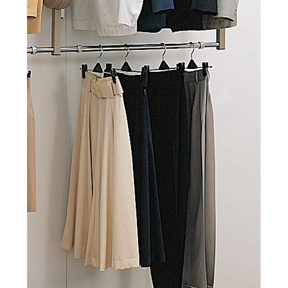 ●ブラケット下側のスペースを有効に利用でき、お客様の洋服をコーディネイトする時に便利なサブハンガーとしても使えます。<br>●ロアハンガーパイプとロアハンガーサポートをセットで使用します。