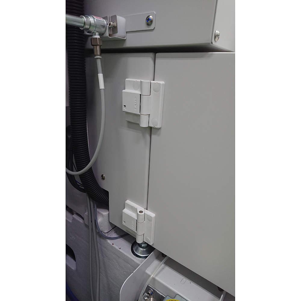 ワイヤ放電加工機  ワイヤ収納BOX