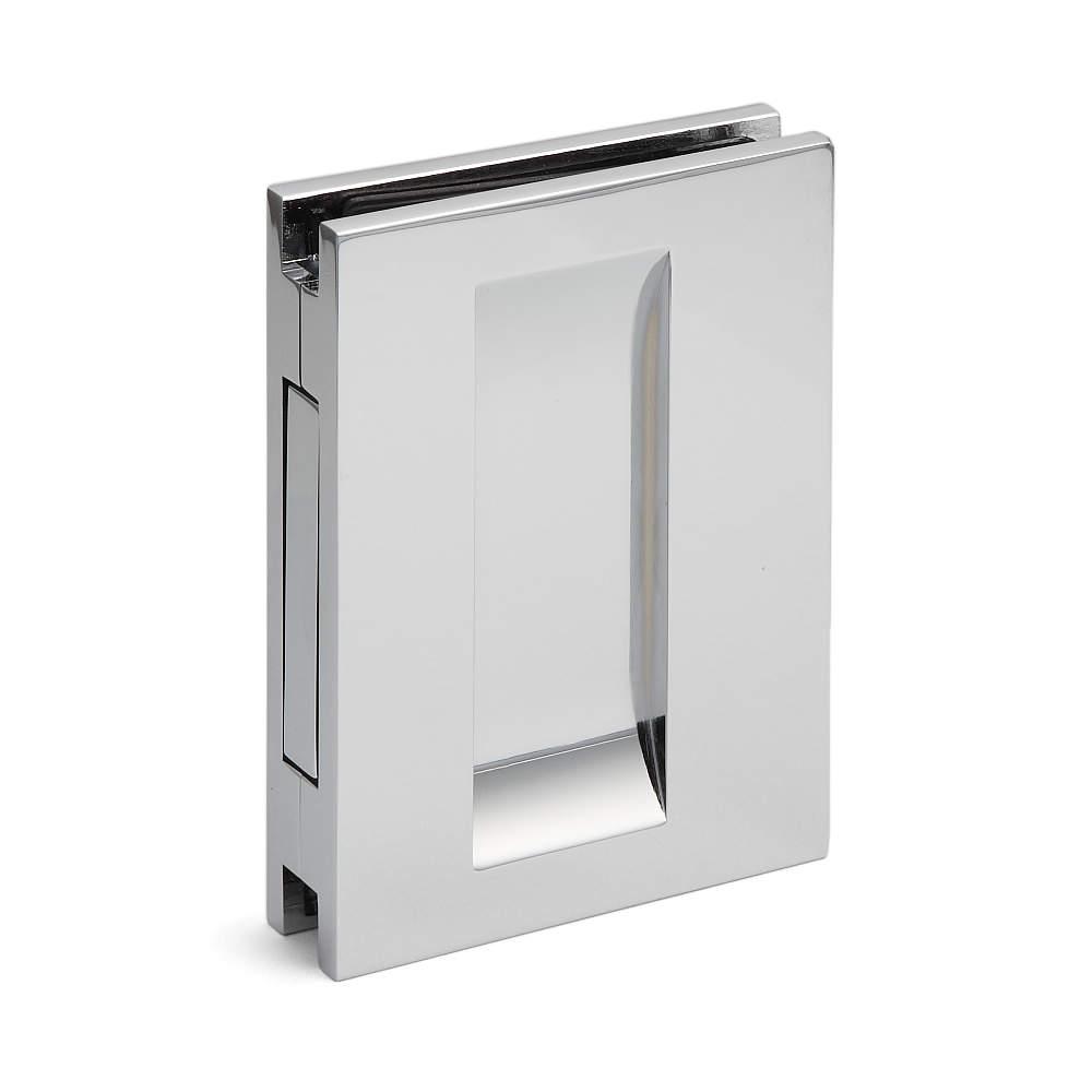 本体側面のフックを使って扉を開けられます。